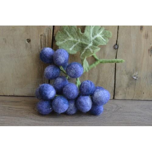Декоративна чепка черно грозде