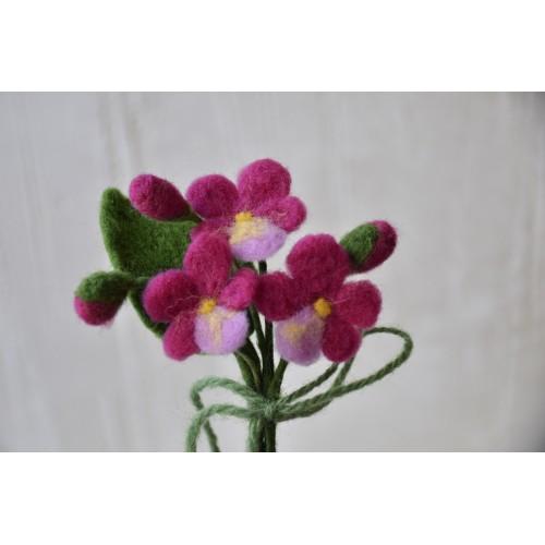 Букетче розови теменужки