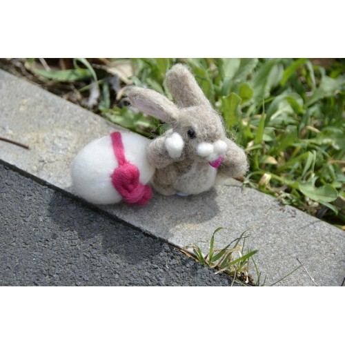 Фигурка зайче Великденско яйце