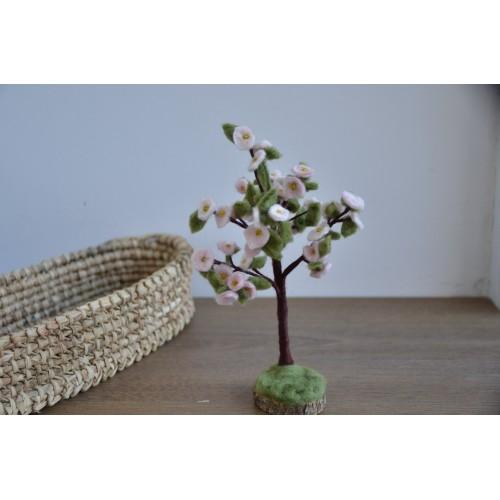 Пролетно декоративно  дръвче