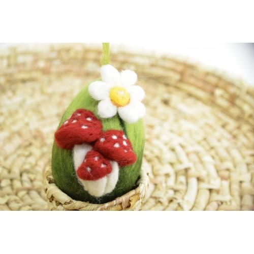 Зелено яйце с гъбки  3D-8см