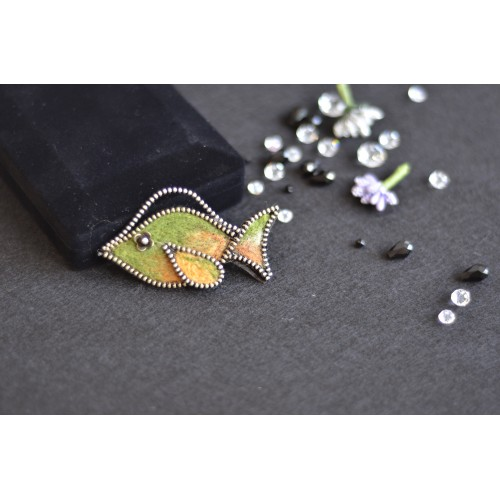 Брошка рибка пастелни цветове