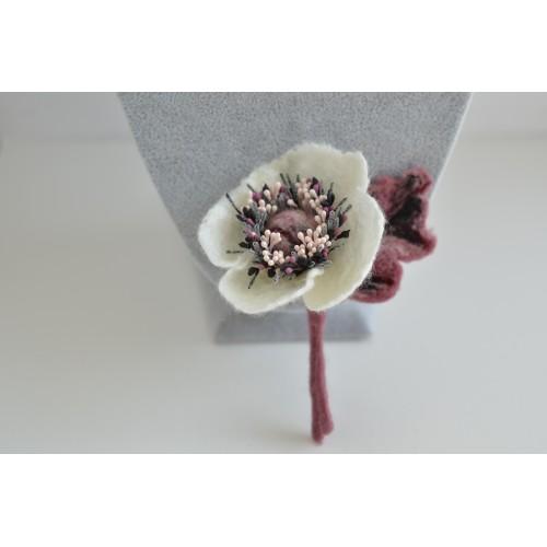 Бяло и розово анемония онче брошка 10 см
